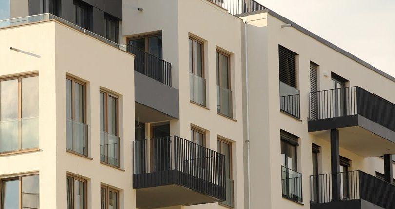 ¿Cuánto dinero hay que tener ahorrado para comprar una vivienda en España?